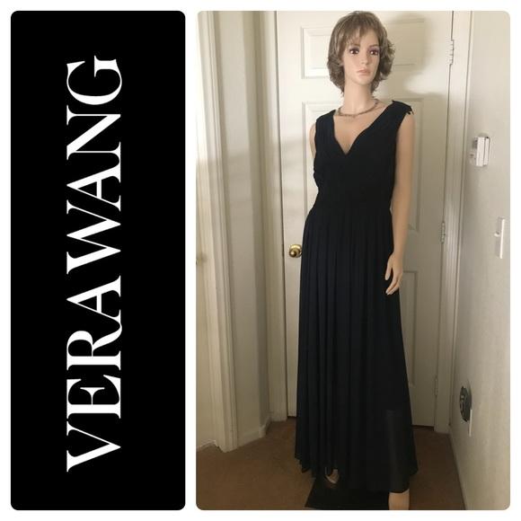 09251f94a4d Vera Wang Prom Midnight Blue Chiffon Dress Size 12.  M 5b0affc7077b971a58c474fb